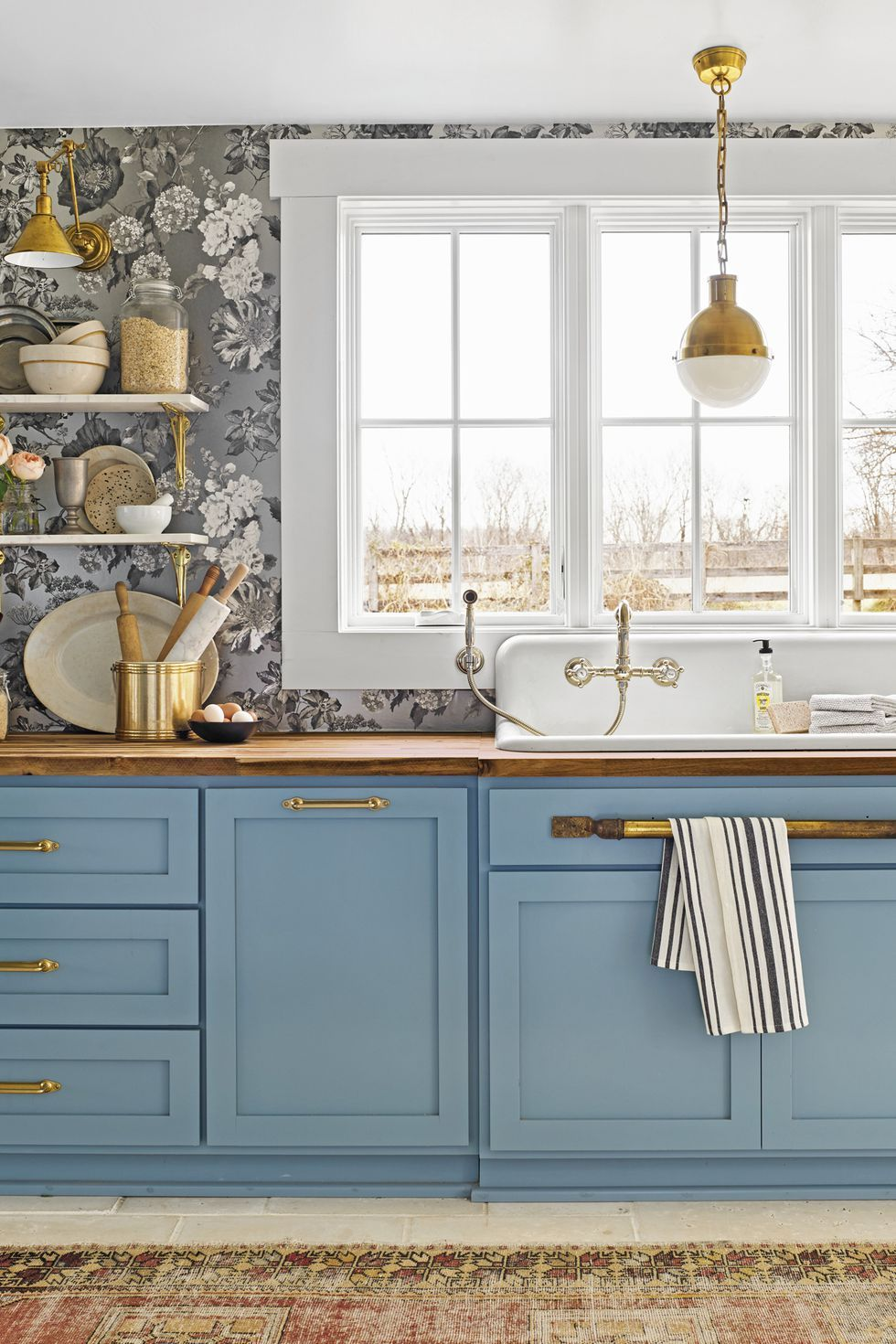 Bright colored kitchen trends for 2021